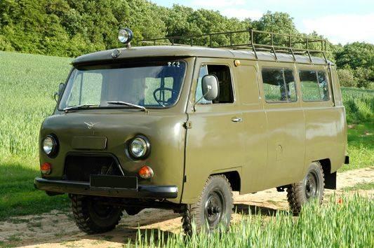 Первые экземпляры УАЗ 452